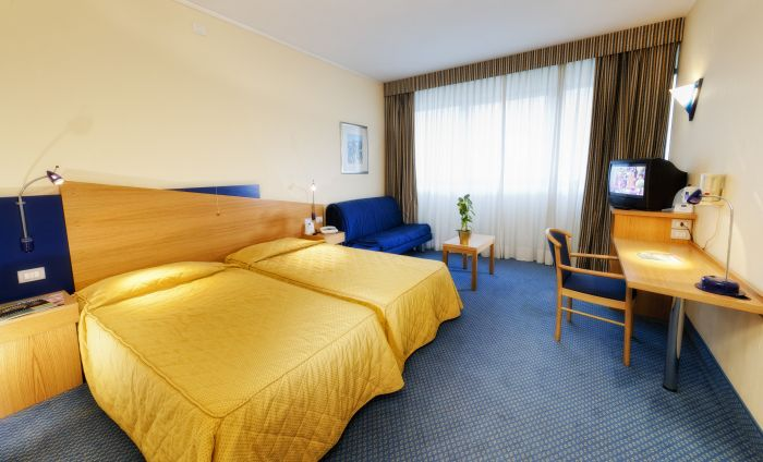 Hotel Express Aosta, Aosta, Italy, book summer vacations, and have a better experience in Aosta
