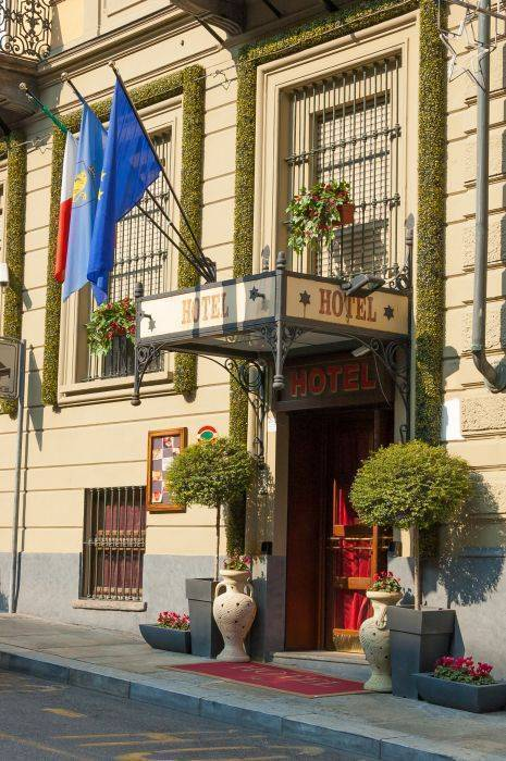 Hotel Giulio Cesare, Turin, Italy, open air bnb and hotels in Turin
