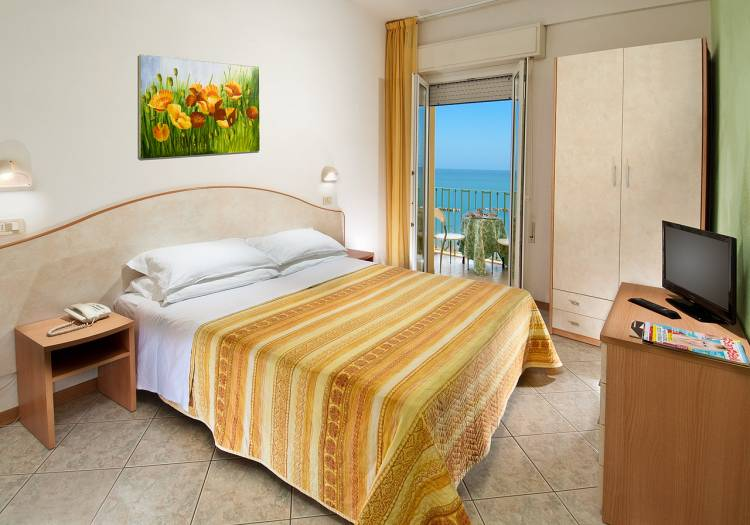 Hotel Gloria, Gabicce, Italy, hotel bookings at last minute in Gabicce