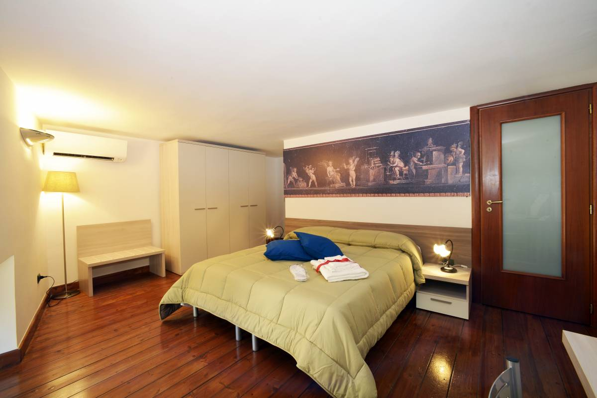 Italia Apartment, Napoli, Italy, Italy hotels and hostels
