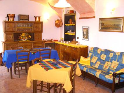 L'Antico Borgo Rooms Rental, Caprie, Italy, secure online reservations in Caprie