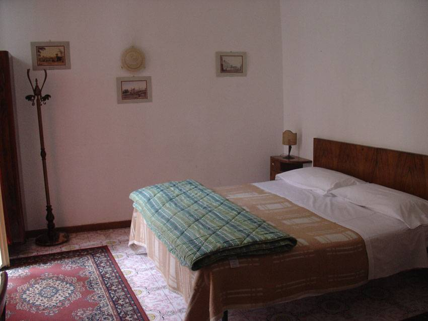 Leonardo House, Florence, Italy, how to book a hostel without booking fees in Florence