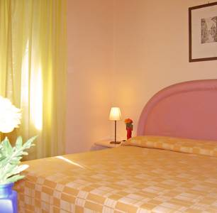 Leone X, Florence, Italy, best deals for hostels and backpackers in Florence