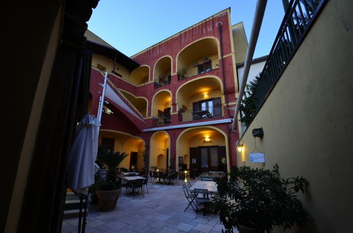 Manouche BB Bistrot, Caserta, Italy, Italy hotels and hostels