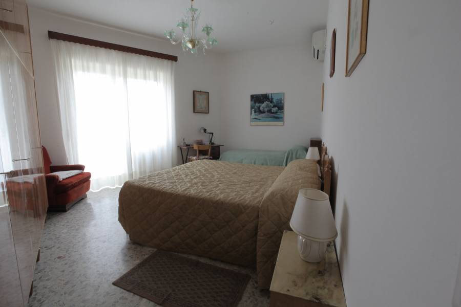 Mary Anne Apartment, Rome, Italy, find beds and accommodation in Rome