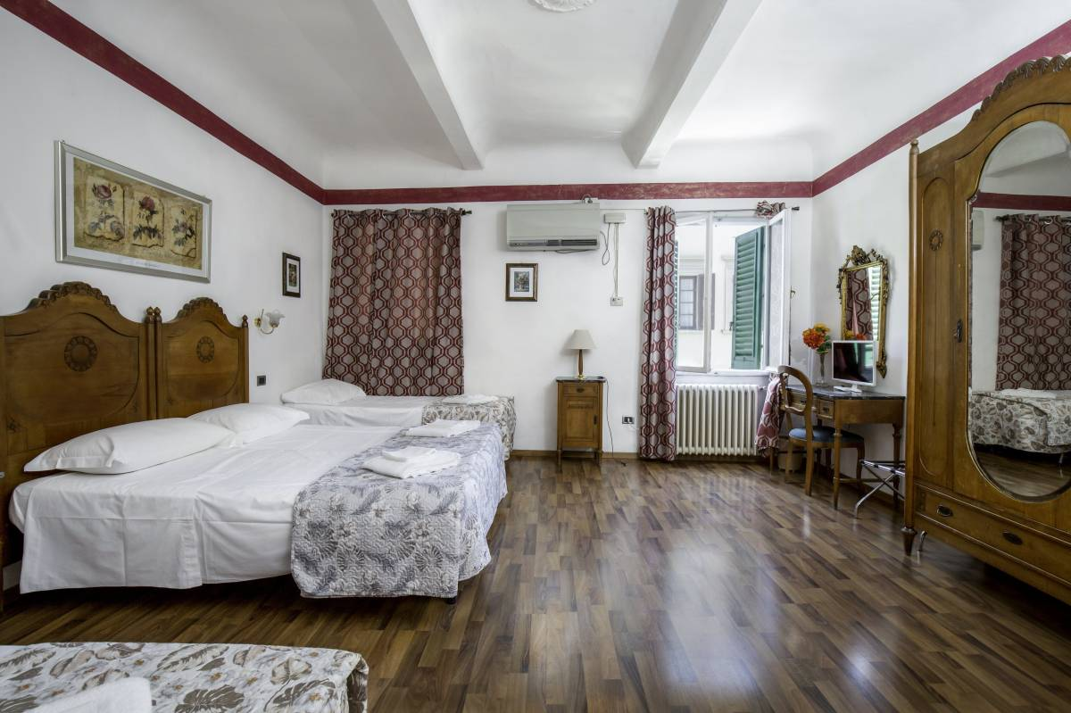 Picccolo Hotel, Firenze, Italy, hotels, lodging, and special offers on accommodation in Firenze