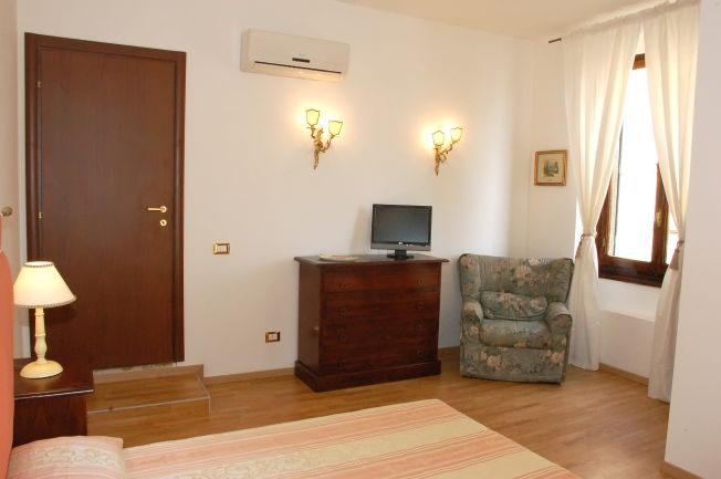 Promenade, Firenze, Italy, family friendly vacations in Firenze