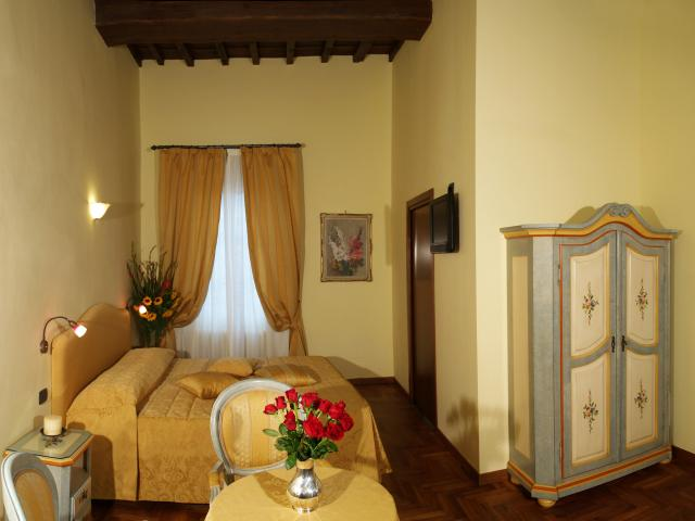 Residenza Della Signoria, Florence, Italy, best hotels for singles in Florence