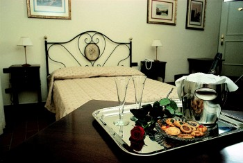 Residenza d'Epoca Relais Verdi, Florence, Italy, cheap lodging in Florence