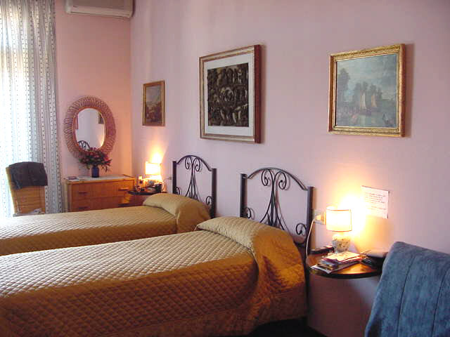 Residenza Giulia B And B, Florence, Italy, Italy hostels and hotels