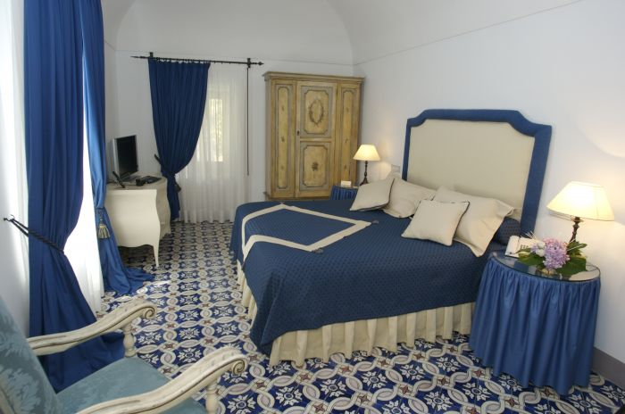 Villa Cimbrone, Ravello, Italy, how to select a hotel in Ravello