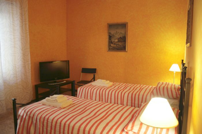 Zama B and B, Rome, Italy, best alternative hostel booking site in Rome