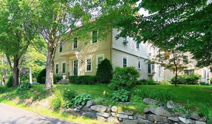 1802 House Inn - Get low hotel rates and check availability in Kennebunk 6 photos