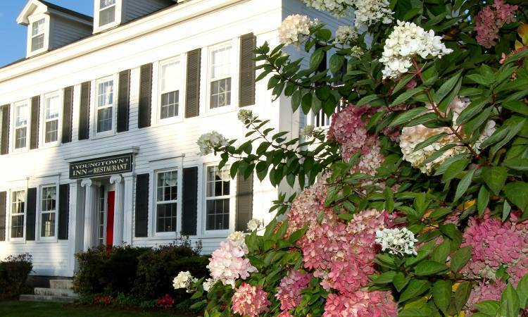 Youngtown Inn and Restaurant, Lincolnville, Maine, Maine hotels and hostels