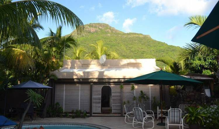Paradise Nest - Get low hotel rates and check availability in Black River, cheap hotels 22 photos