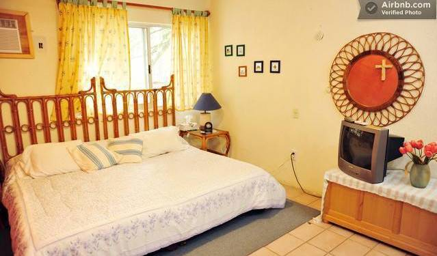 Casa Naranja Bed and Breakfast - Search for free rooms and guaranteed low rates in Cancun 21 photos