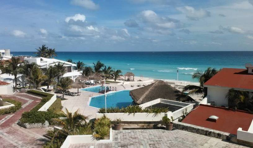 Cenzontle Beach Apartments - Search for free rooms and guaranteed low rates in Cancun,  hostels and hotels 7 photos