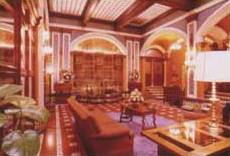 Hotel Majestic, Mexico City, Mexico, backpackers gear and staying in cheap hotels or budget hostels in Mexico City