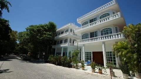 Villas Castillo Blanco, Playa del Carmen, Mexico, low price guarantee when you book your hotel with Instant World Booking in Playa del Carmen