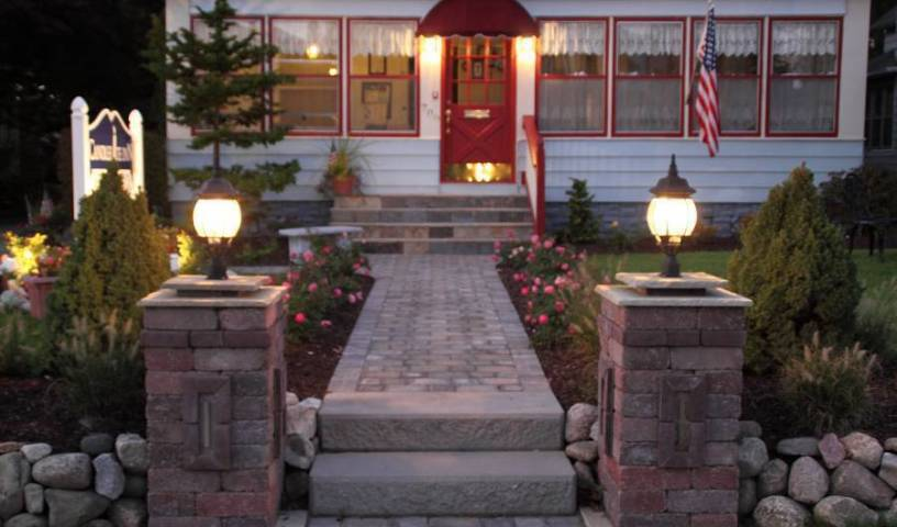Candlelite Inn Bed and Breakfast - Search available rooms for hotel and hostel reservations in Ludington 14 photos