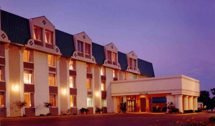 Holiday Inn St. Louis Southwest - Get low hotel rates and check availability in Saint Louis 2 photos