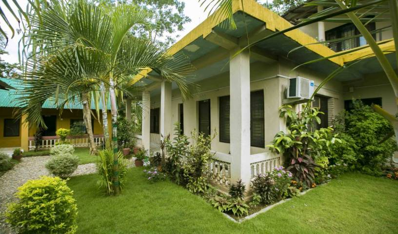Sauraha Nana Hotel - Get low hotel rates and check availability in Bharatpur 9 photos