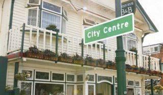 Croydon House B and B Hotel 8 photos