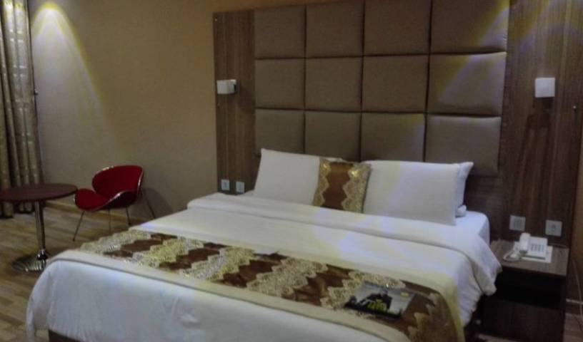 Parkview Astoria Hotel - Search for free rooms and guaranteed low rates in Ikoyi 5 photos