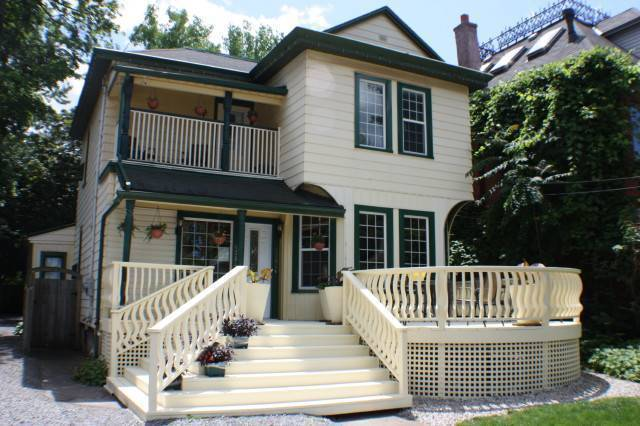 Ellis House Bed and Breakfast, Niagara Falls, Ontario, Ontario hotels and hostels