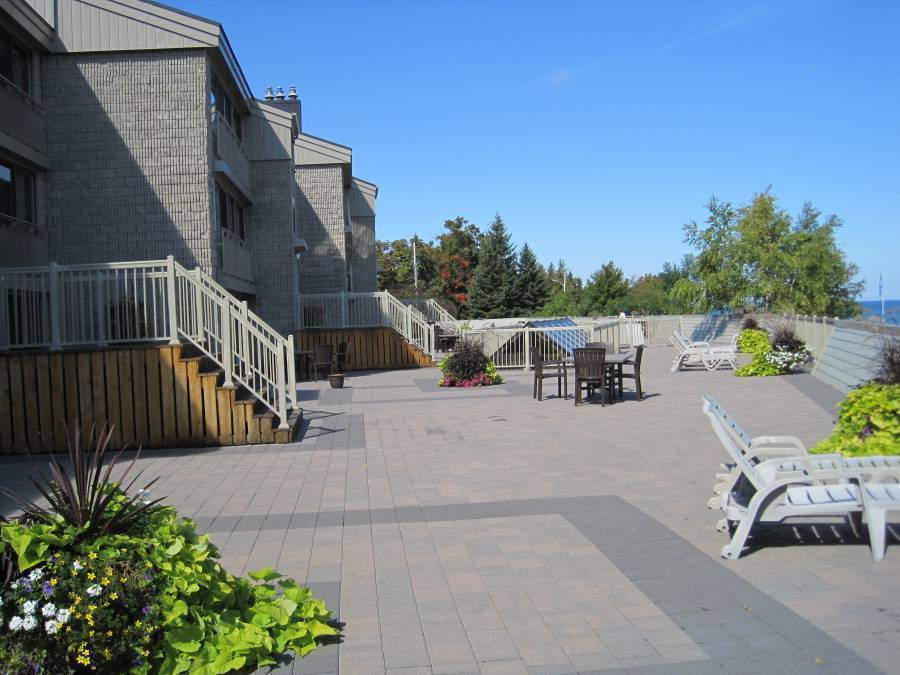 Holiday Villas at Royal Harbour Club, Thornbury, Ontario, popular vacation spots in Thornbury