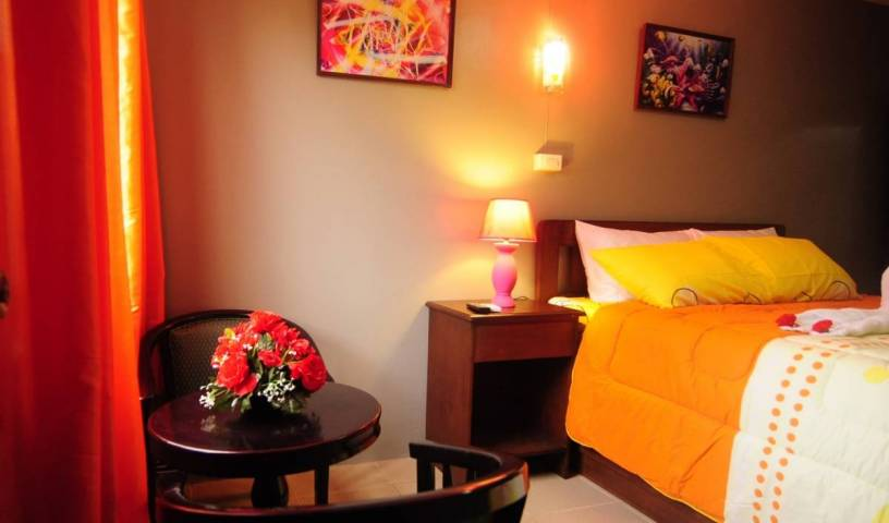 Hotel Europa Basak - Search for free rooms and guaranteed low rates in Basac 2 photos
