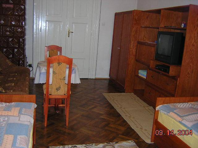 Krakow 1st Bed and Breakfast, Krakow, Poland, find beds and accommodation in Krakow
