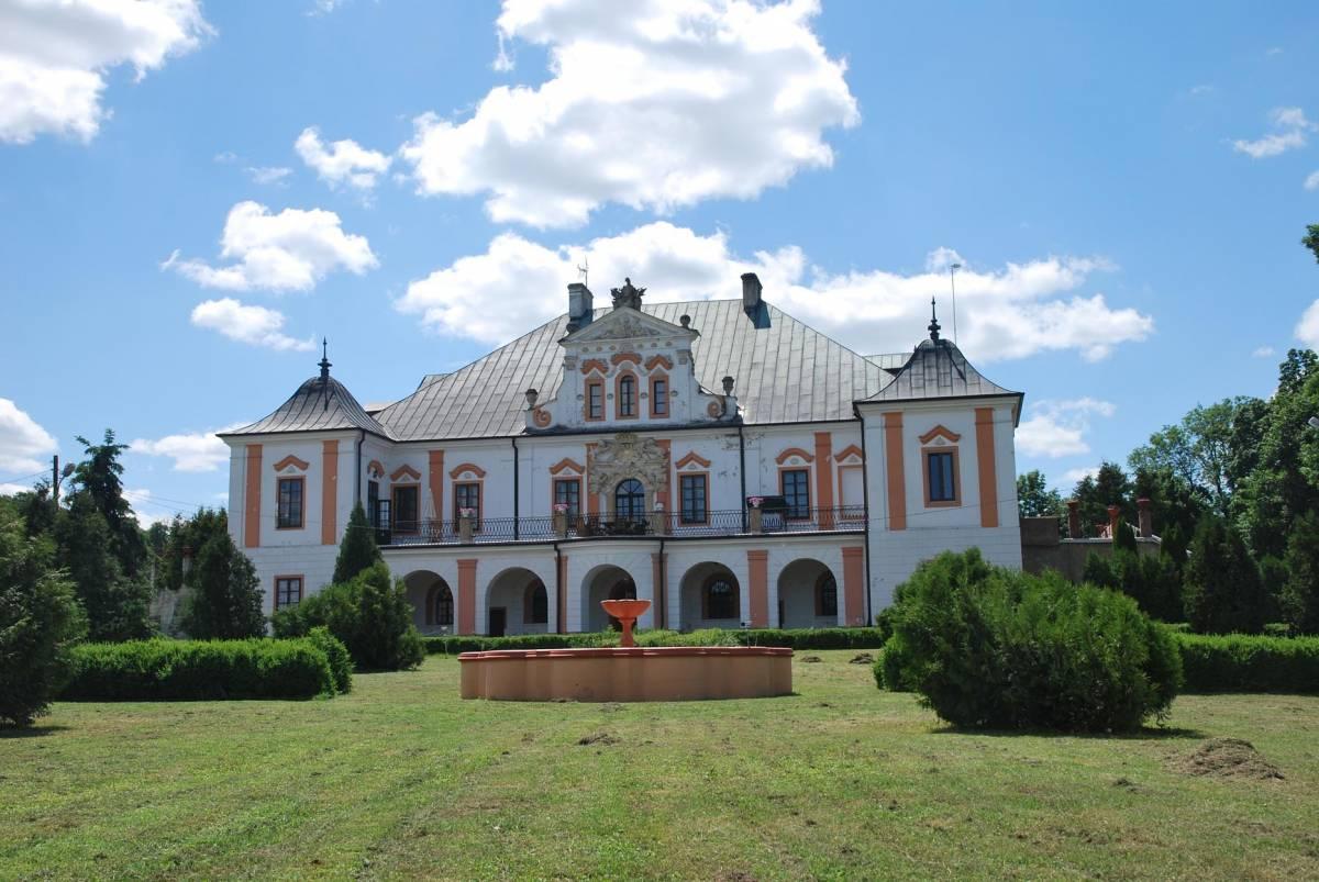 Palac W Czyzowie Szlacheckim, Zawichost, Poland, Poland hotels and hostels
