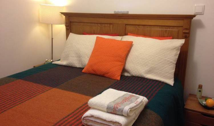 Cosy Room in A Musician's House,  hotels and hostels 10 photos