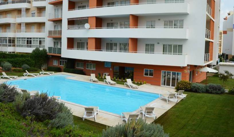 Flamingo Residence - Search for free rooms and guaranteed low rates in Portimao 26 photos