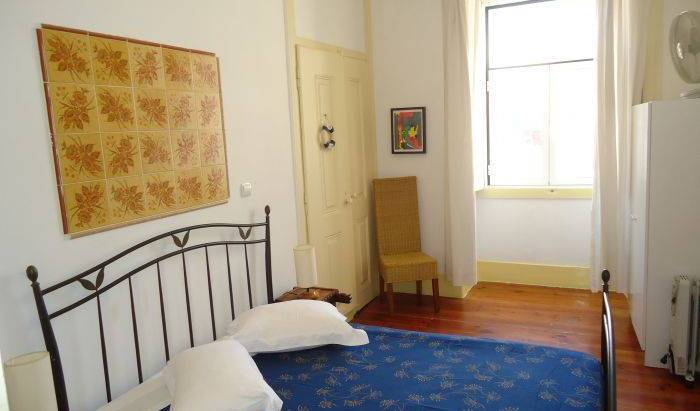 Guest House Pouso Dos Anjos - Search for free rooms and guaranteed low rates in Lisbon, world traveler benefits in Anjos, Portugal 6 photos