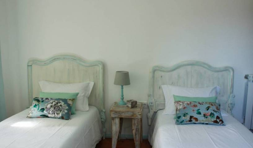 Lanui Guest House - Search for free rooms and guaranteed low rates in Sintra 15 photos