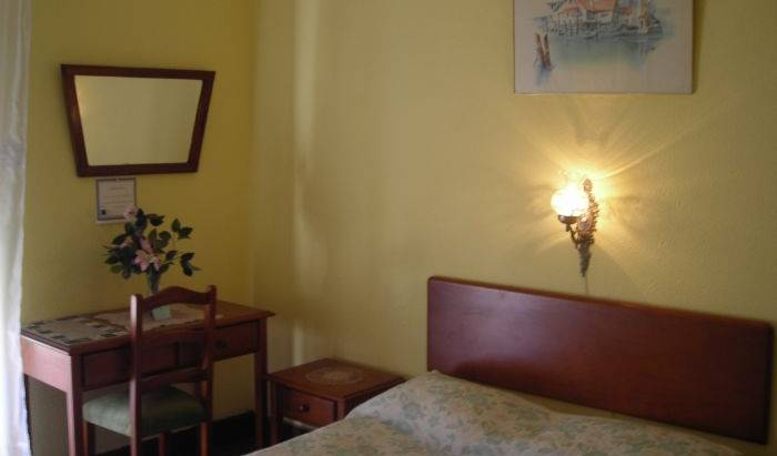 Residencial Lord - Search for free rooms and guaranteed low rates in Lisbon 10 photos