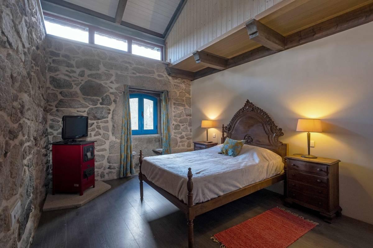 Hostel Quinta da Estrada Romana, Cerdal, Portugal, Portugal hotels and hostels