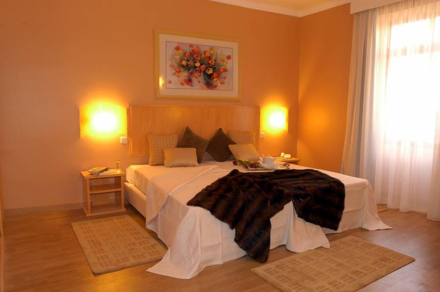 Hotel Apartamento da Se, Funchal, Portugal, hotels and hostels for mingling with locals in Funchal