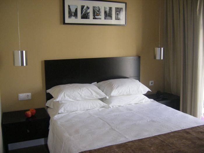 Lisbon City Hotel, Lisbon, Portugal, find the lowest price for hostels, hotels or bed and breakfasts in Lisbon