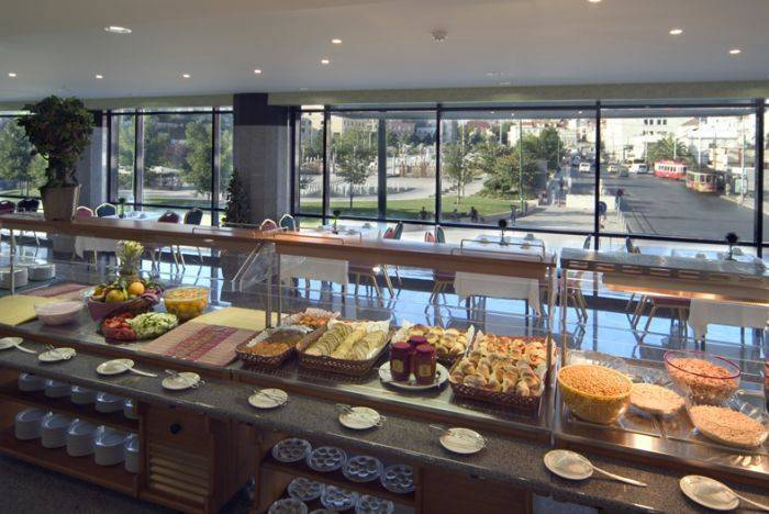 Mundial Hotel, Lisbon, Portugal, what is a bed and breakfast? Ask us and book now in Lisbon