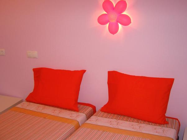 Smile Apartment, Lisbon, Portugal, top 5 places to visit and stay in hostels in Lisbon