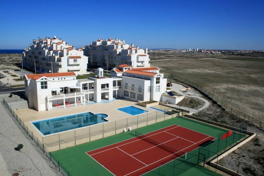 Surfer's Bay, Peniche, Portugal, Portugal hotels and hostels