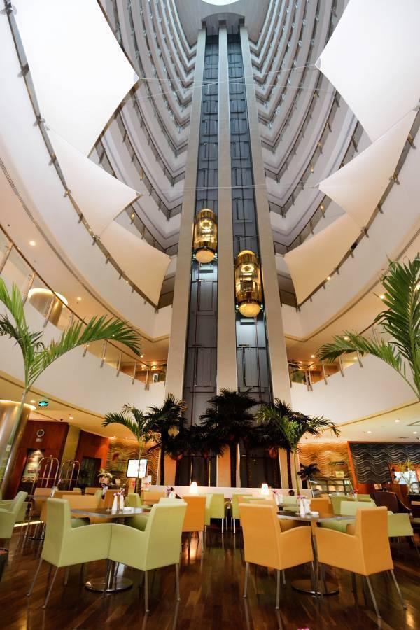 Holiday Villa Hotel and Residence, Doha, Qatar, Niedrogie posadas, pensjonaty, hostele, domy wiejskie i apartamenty w Doha