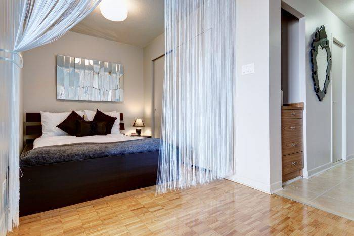 Camilia, Montreal, Quebec, hotels and hostels for mingling with locals in Montreal