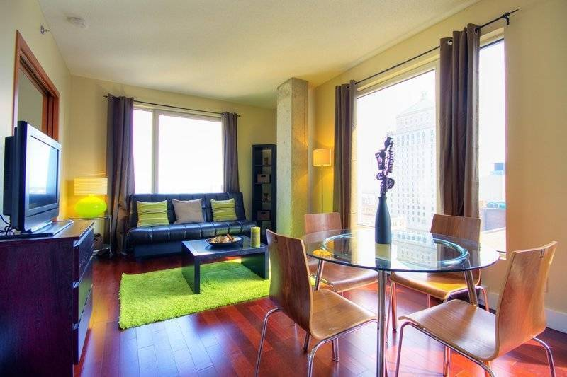 Paradise, Montreal, Quebec, no booking fees in Montreal