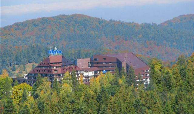 Alpin Resort - Search available rooms for hotel and hostel reservations in In Poiana 13 photos