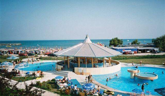 Palace Hotel and Resort - Search for free rooms and guaranteed low rates in Constanta 6 photos