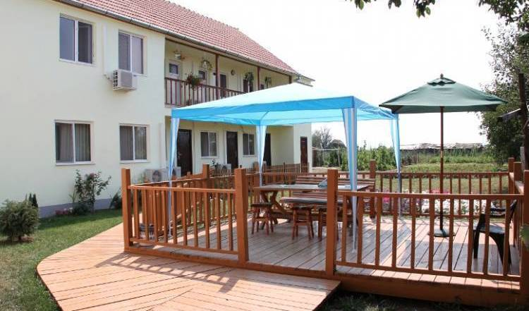 Pensiunea Elisabeta - Elisabeta's Inn - Get low hotel rates and check availability in Simeria, great deals in Jude?ul Cara?-Severin, Romania 11 photos